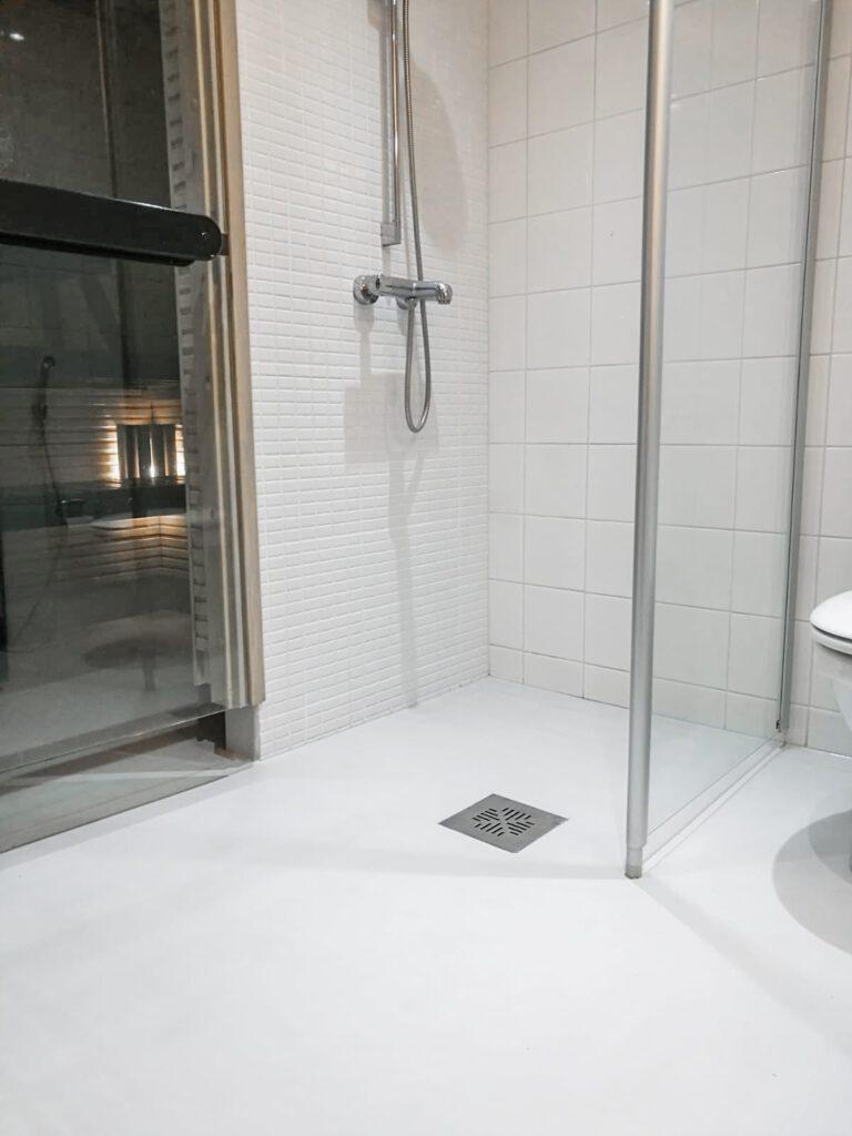 Hartsipinnoitus kylpyhuone